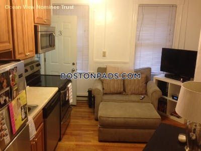 North End Cozy in great North End location!  Boston - $1,800