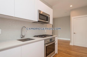 Cambridge Very nice 1 bedroom  1 bathroom on Forest St.  Porter Square - $2,750