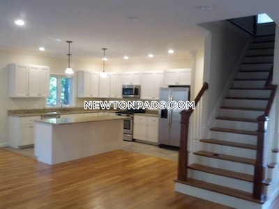 AMAZING 3 BED 2.5 BATH APARTMENT IN A GREAT NEWTONVILLE LOCATION  $4,400 - Newton - Newtonville $4,400